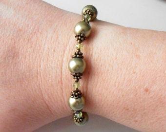 Olive Pearl Bracelet, Vintage Style Bridesmaid Jewelry, Autumn Fall Weddings, Beaded Bracelet, Swarovski Pearl Jewelry, Woodland Wedding