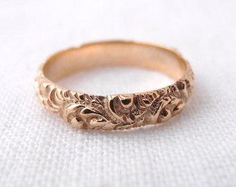 Vintage Repouseee 18k Yellow Gold Wedding Band