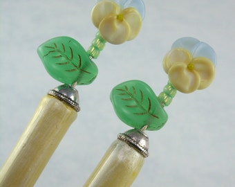 Hairsticks Viola 'Sorbet Blueberry Cream' In Sculptural Art Glass