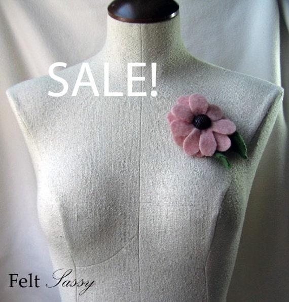 SALE - Brooch - Recycled Wool Sweater - Pink Flower - by FeltSassy