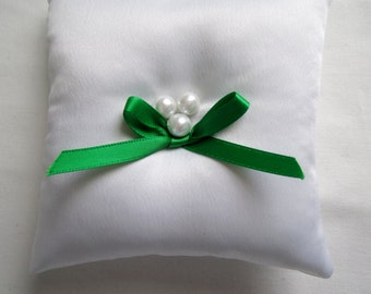 """Emerald Ring Bearer Pillow, white green wedding pillow, small simple bridal pillow, pearl and emerald green decoration -- approx. 4"""" square"""
