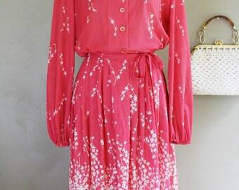 1970s Vintage Day Dress - Secretary Dress - Salmon Pink - Op Art - by R & K Originals - Spring Summer - Print Dress - Modest - 36 Bust