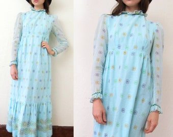 Sale//Vintage MEDALLION PRINT Soft Turquoise Ruffled Maxi Dress S/M