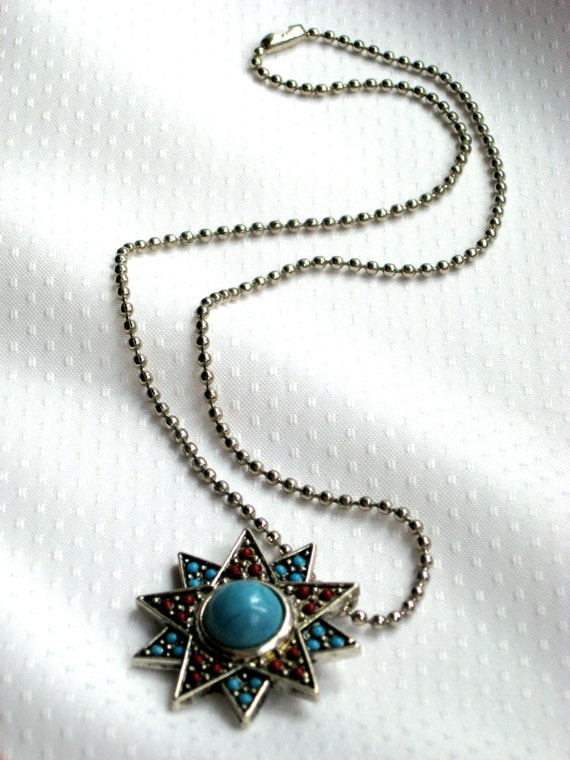Necklace Vtg Pendant Silvertone Star Aqua and Red Lucite Vintage Costume Jewelry