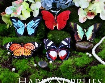 5pcs Handmade Wooden Butterfly Charms / Pendants (CWM04)