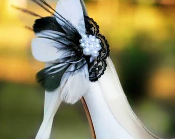 Black & White / IVORY Feathers Lace - Pearls Shoe Clips. Wedding Couture, Statement Bridal Bride Bridesmaid. Made to Match Pins, Shabby Chic