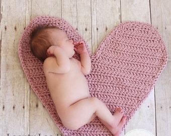 Newborn Photo Prop Heart Mat - newborn baby girl, newborn baby boy, photography prop, crochet, handamde, made in USA - ONE SIZE