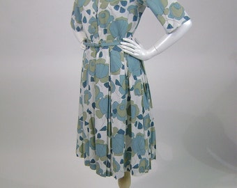 Vintage 1960s Dress, 2PC Blouse and Skirt with Belt, 60s Casual Daywear, White Taupe Aqua Floral Print, Top B34, Pleated Skirt W24