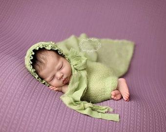 Newborn Bonnet. Girl Bonnet. Green. Hand Dyed Fabric Bonnet. Shabby Chic. Newborn. Baby Girl. Photogpraphy Prop.SAVANNAH. Vintage Style.