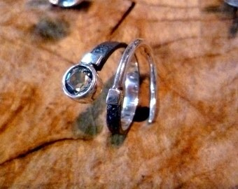 Aquamarine spiral sterling silver ring