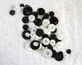 25  Black and White Buttons TUXEDO Mix, assorted sizes, Sewing, Crafting, Jewelry, Collect (231)