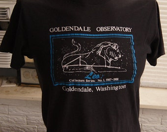 vintage (t shirt) GoLDENDALE OBSERVAToRY Leo Constellation Washington State 80s Medium (38 inches around chest)
