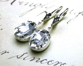 Vintage Oval Jewel Earrings in Crystal Diamond - Bridal Earrings in Clear Crystal - Sterling Silver Leverbacks