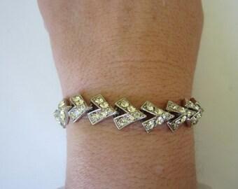 Vintage 1940s Bracelet Zig Zag Rhinestone. Shimmer and sparkle