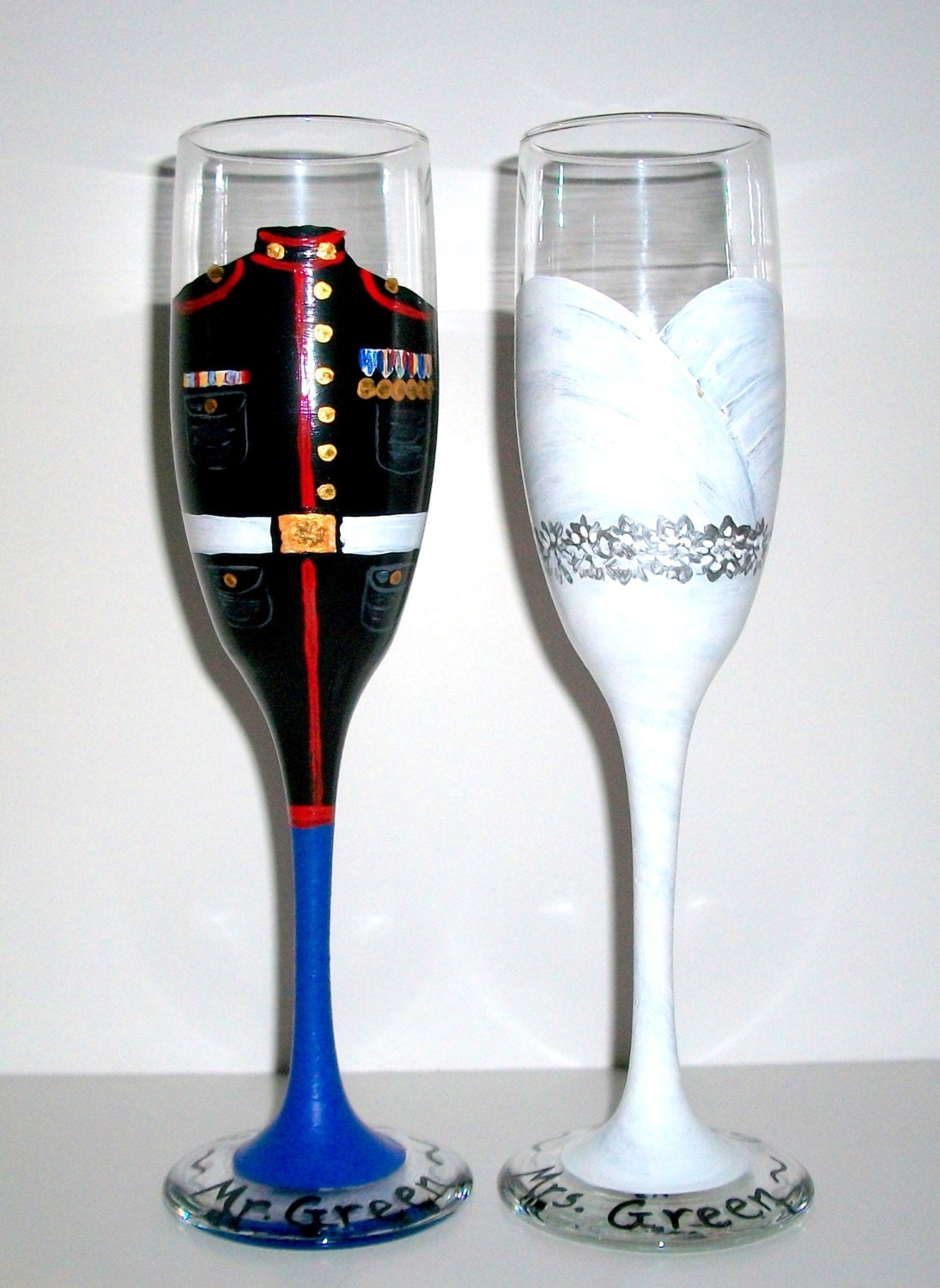 hand painted champagne flutes bride and by sharonscustomartwork