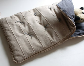 Mini sleeping bag for important bears (+ dolls)