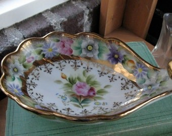 Shell shaped footed Candy Dish Flowers / Fleur de Lis