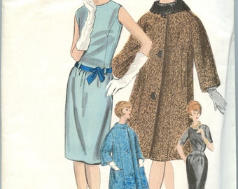 1960s Vintage Sewing Pattern Vogue Couturier 1032  One Piece Dress Coat and Scarf with LABEL Bust 32