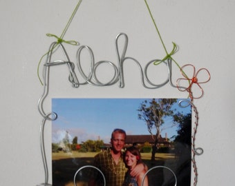 Aloha Hanging Wire Swirl Picture Frame, Photo Holder, Hawaii Wire Art Wall Decoration, 4x6 Wire Wall Hanging Frame w/ Flower Accent