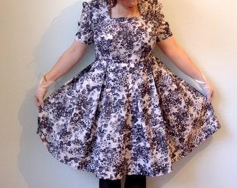 50s retro black white floral nylon pleated day dress M