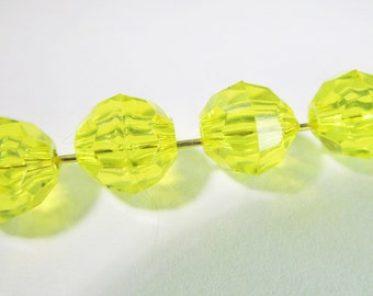 60 Vintage 8mm Clear Yellow Faceted Transparent Round Seamed Plastic Beads Bd761