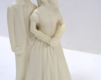 Vintage Wedding Cake Topper. Porcelain,Wedding Day,Romance,Bride,Groom,Wedding Couple,Honeymoon