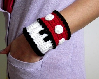 Mario Brothers Red Mushroom Power Cuff. Super Mario Bros 1up Inspired Crochet Bracelet Wristband. Gamer Accessory. Video Game Cosplay.