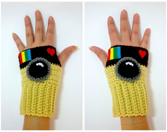 Instagram Geeky Gauntlets. Camera Wristwarmers. Instagram Camera Fingerless Gloves. Super Fandom Series. Crochet Mitts for Photographers.