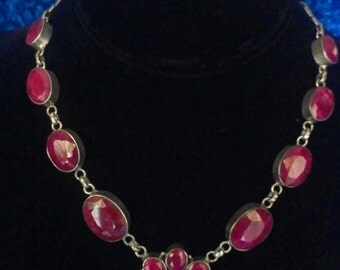 Beautiful Ruby Flower Necklace