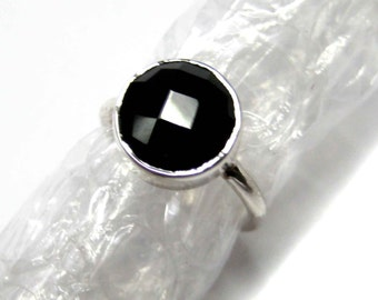 925 Sterling Silver Black Onyx Ring , Fine Quality Chekker cut Faceted Round Shape gem stone Hand made Ring