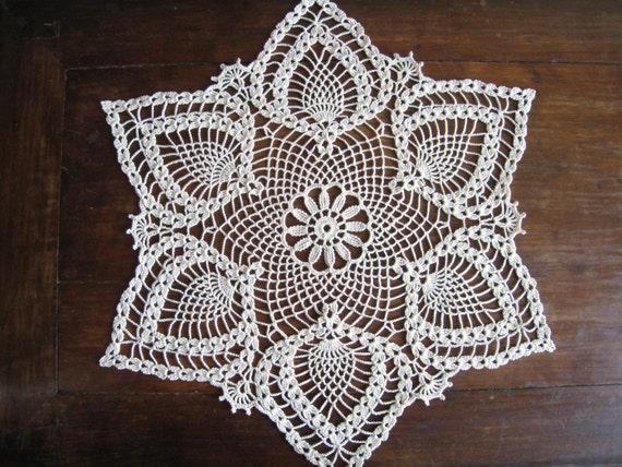 Crochet doily natural lace tablecloth centerpiece white lotus - Napperon crochet chemin de table ...