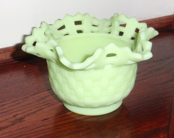 "FENTON ART GLASS Bowl Signed #1092 Opaque Green Crystal 5 1/2"" Round Crimped Basketweave Open Edge Two Rows Excellent Condition"