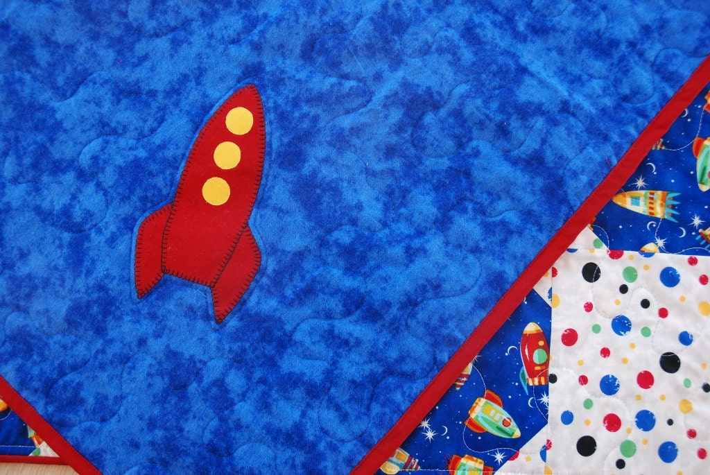 Rocket ship outer space baby boy quilt crib bedding for Spaceship quilt