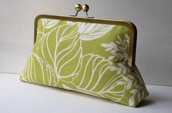 Green Botanical Print Clutch:  Kisslock Frame Purse for wedding / bridal / party