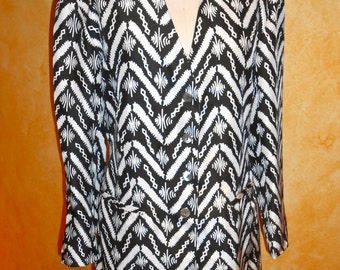 Vintage 1980 's Long Tailored Silk Jacket Ethnic Print ( sizeM)
