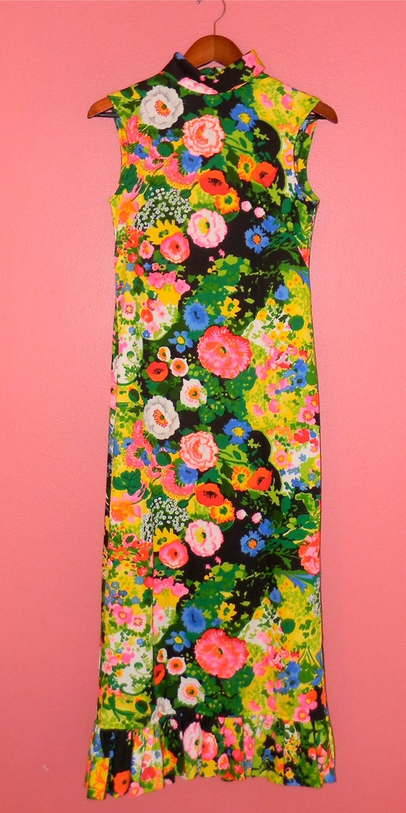 Vintage Maxi Dress 70s Bright Floral Print Psychedelic Summer Spring Hippie Festival Flower Power Maxi Dress