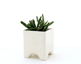 Faux Bois Vase or Cache-Pot, 4 Footed in White