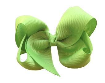 4 inch apple green hair bow - green bow, girls hair bows, girls bows, toddler hair bows, boutique hair bows, fall hair bows, hair bows