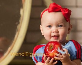 Snow White Red Bow Headband. Baby Headband. Newborn Headband. Girl Headband. Photo Prop. Baby Snow White Bow Headband.