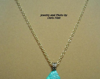 "Beautiful deep blue free-form Turquoise Pendant necklace - 18"" - N167"
