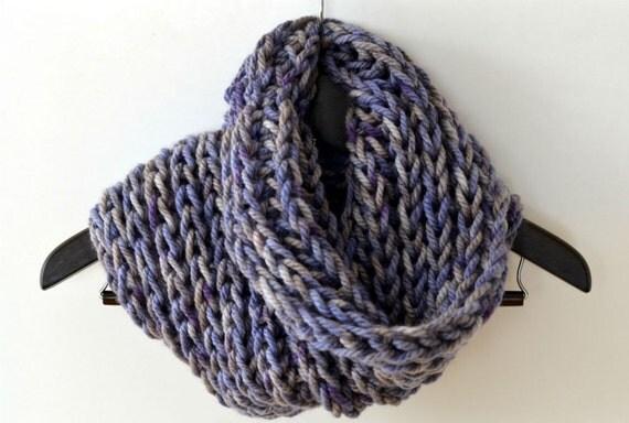bufanda circular unisex en color índigo