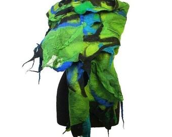 Felted Scarf GREEN scarf Nunofelt Scarf / DESIGNER scarf / EXCLUSIVE felted scarf