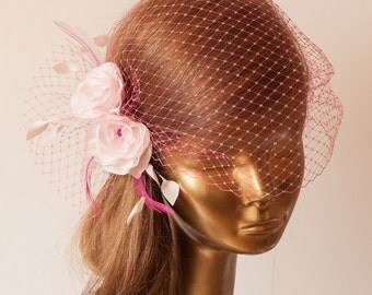 BIRDCAGE VEIL Pink Veil .Romantic wedding Headpiece with beautifull delicate Flowers. Bridal FASCINATOR.
