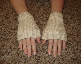 Cream Fingerless Gloves