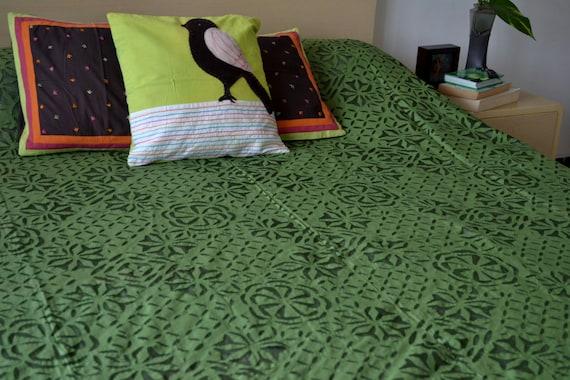Queen Bedspread In Forest Green With Applique Queen Bed