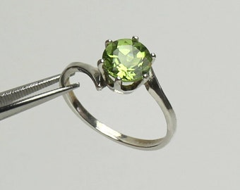 Natural Peridot Sterling Silver Ring / Peridot Ring Sterling Silver