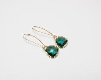 Long emerald earrings, gold green earrings , green gemstone earring, bridesmaid earring , kidney earwire green earring