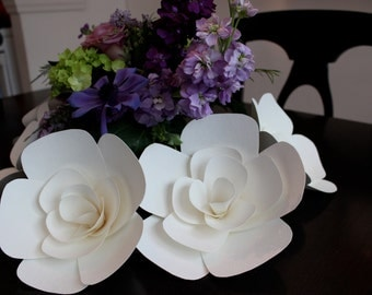 Set of 5 white paper flowers, 7""