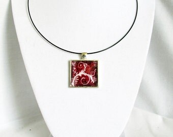 Red Floral Pendant Necklace with White Flower Design