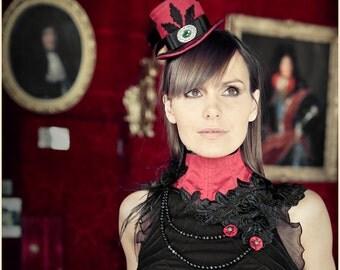 "Red Silk Neck Corset Necklace ""Cabaret"" Black Lace Gemstone (jade, blu tigereye)"